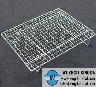 Crimped wire barbecue grill