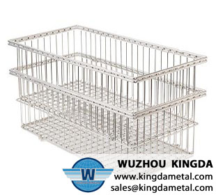 Hospital instrument sterilization basket