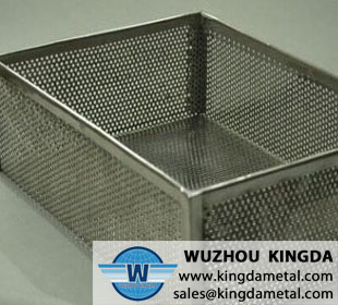 Medical perforated cleaning basket