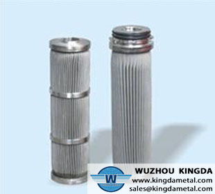 Pleated cartridge filter