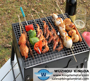Outdoor and indoor bbq grill